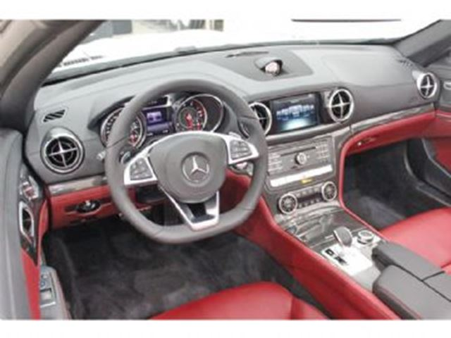 2017 mercedes benz sl class 550 roadster mississauga for Mercedes benz excess mileage charges