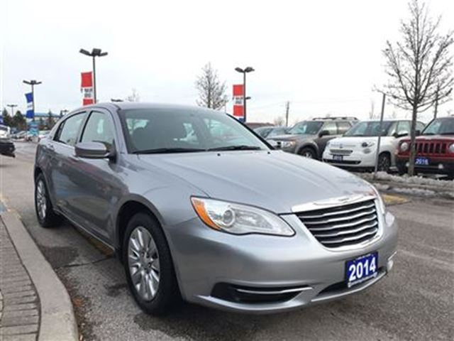 2014 chrysler 200 lx pickering ontario used car for. Black Bedroom Furniture Sets. Home Design Ideas