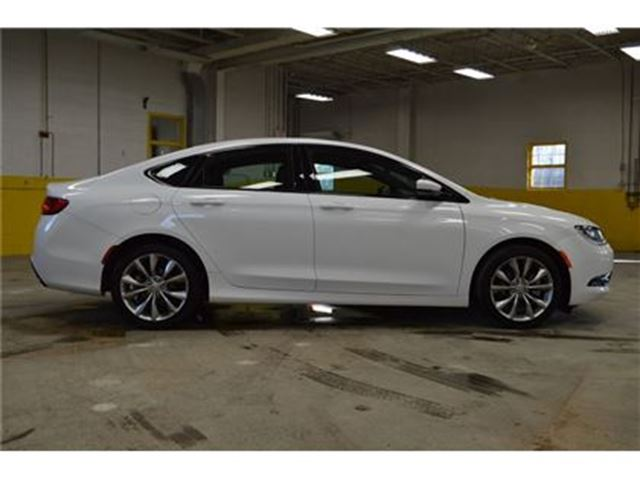 2015 Chrysler 200 S LEATHER - Ottawa, Ontario Used Car For Sale - 2682895
