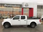 2012 Nissan Frontier SV, CREW CAB, 4x4, LOW KM'S ! in Burlington, Ontario