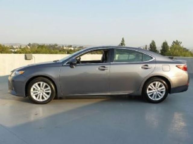 2014 lexus es 350 mississauga ontario used car for sale 2683568. Black Bedroom Furniture Sets. Home Design Ideas