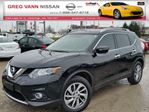 2015 Nissan Rogue SL AWD w/NAV,all leather,pwr group,rear cam,climate control in Cambridge, Ontario