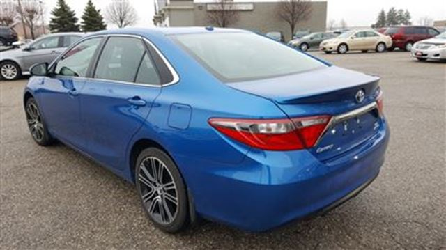 2016 toyota camry se demo with snow tires only 11371 km 39 s le brantford ontario used. Black Bedroom Furniture Sets. Home Design Ideas