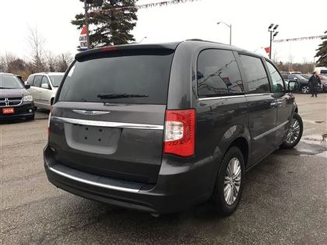 2016 chrysler town and country touring l navi dvd sunroof toronto ontario used car for sale. Black Bedroom Furniture Sets. Home Design Ideas
