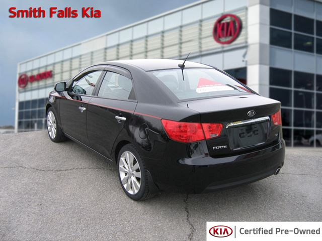used 2013 kia forte sx 2 4 smiths falls. Black Bedroom Furniture Sets. Home Design Ideas