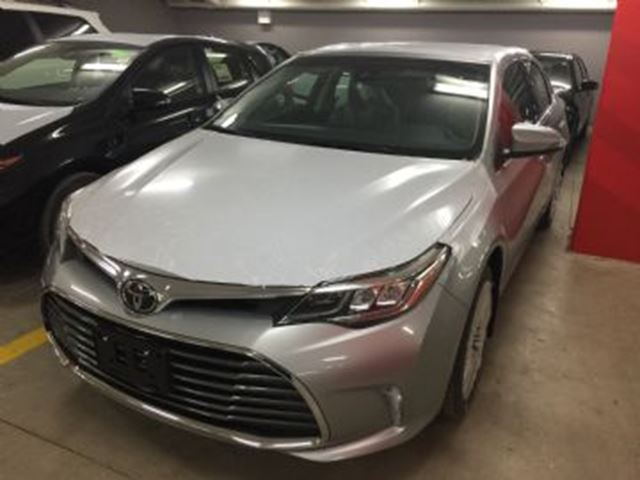 2017 toyota avalon limited mississauga ontario used car for sale 2685376. Black Bedroom Furniture Sets. Home Design Ideas