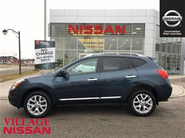 2013 nissan rogue sv sunroof new tires clean markham ontario used car for sale 2686072. Black Bedroom Furniture Sets. Home Design Ideas