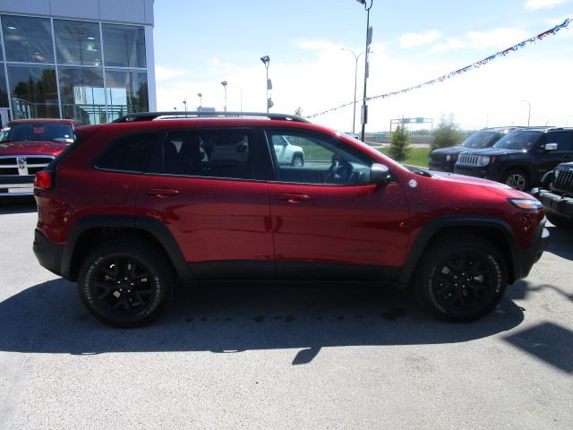 2016 jeep cherokee trailhawk 4x4 calgary alberta used. Black Bedroom Furniture Sets. Home Design Ideas