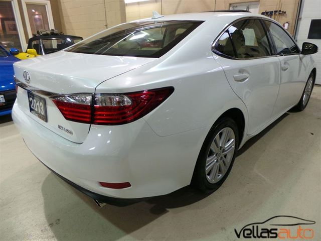 2013 lexus es 350 navigation r camera pearl white vaughan ontario used car for sale 2686719. Black Bedroom Furniture Sets. Home Design Ideas