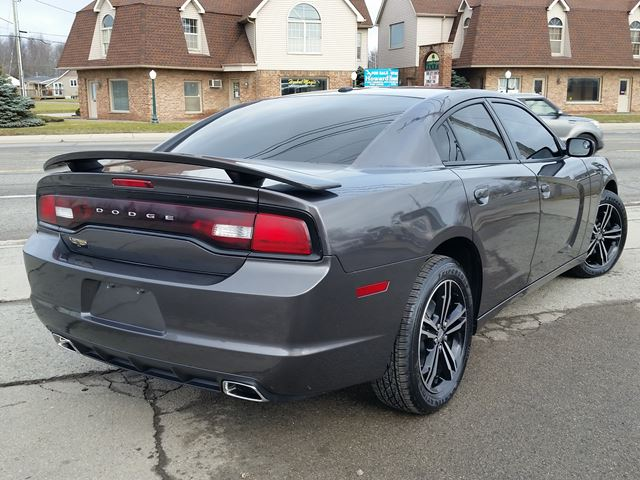 2014 dodge charger sxt fort erie ontario used car for sale 2687060. Black Bedroom Furniture Sets. Home Design Ideas