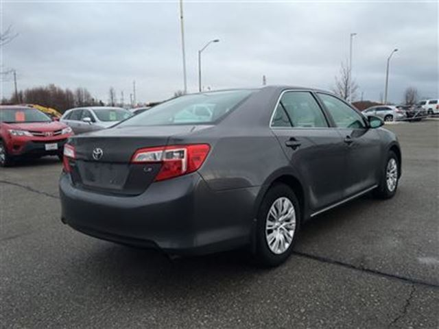 2014 toyota camry le back up camera 1 owner uber bowmanville ontario used car for sale 2687428. Black Bedroom Furniture Sets. Home Design Ideas