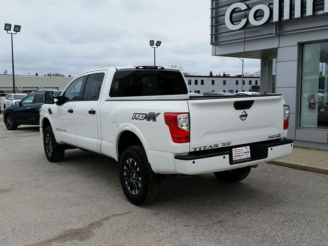2017 nissan titan xd pro 4x luxury pkg new collingwood ontario used car for sale 2687822. Black Bedroom Furniture Sets. Home Design Ideas