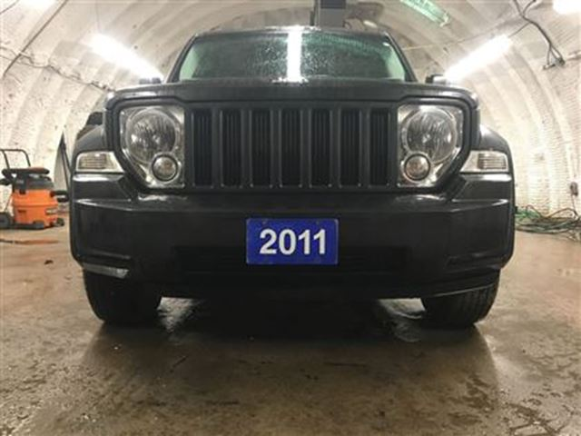 2011 jeep liberty 4wd power heated mirrors tow haul mode. Black Bedroom Furniture Sets. Home Design Ideas
