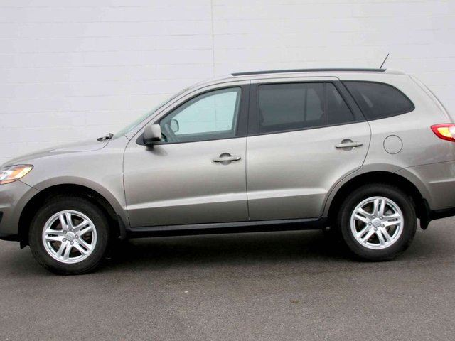 2011 hyundai santa fe sport all wheel drive kelowna british columbia used car for sale 2688250. Black Bedroom Furniture Sets. Home Design Ideas