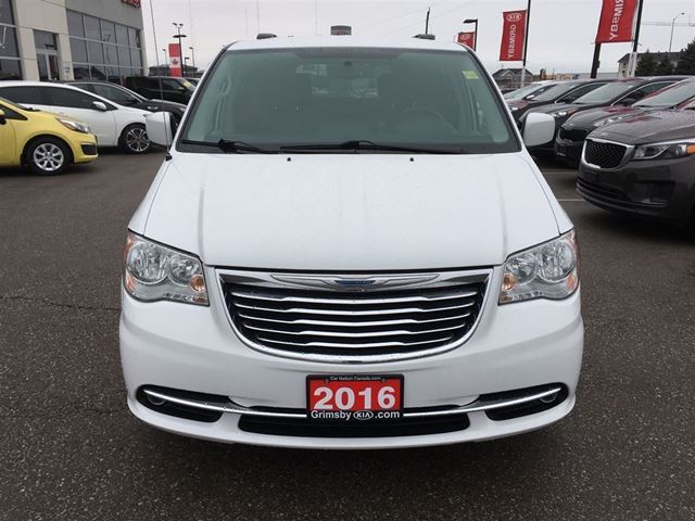 2016 chrysler town and country touring loaded loaded loaded grimsby ontario used car for. Black Bedroom Furniture Sets. Home Design Ideas