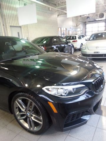 2016 bmw m2 35i xdrive convertible mississauga ontario used car for sale 2689453. Black Bedroom Furniture Sets. Home Design Ideas