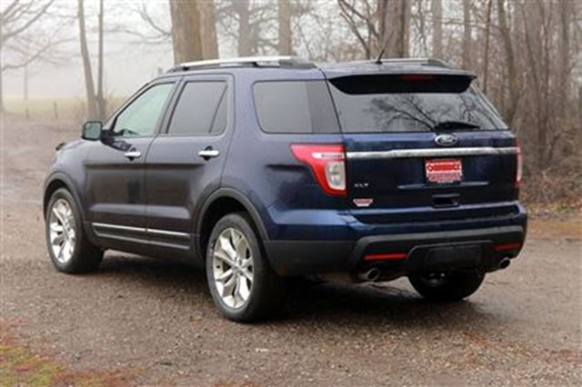 2011 ford explorer xlt leather sunroof certified. Black Bedroom Furniture Sets. Home Design Ideas