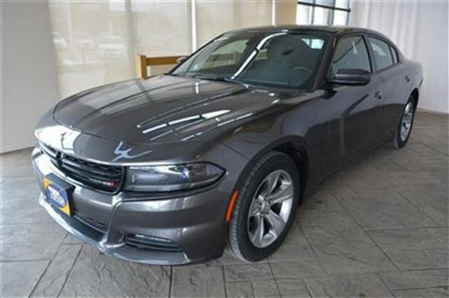 2015 dodge charger sxt with navigation power moonroof milton ontario used car for sale 2689066. Black Bedroom Furniture Sets. Home Design Ideas