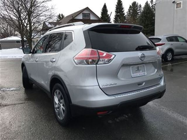 2014 nissan rogue sl lindsay ontario used car for sale 2689761. Black Bedroom Furniture Sets. Home Design Ideas