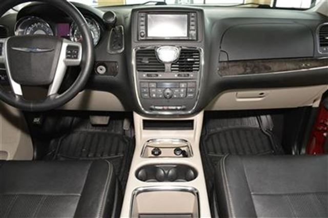 2015 Chrysler Town And Country Touring L With Leather Interior Milton Ontario Used Car For