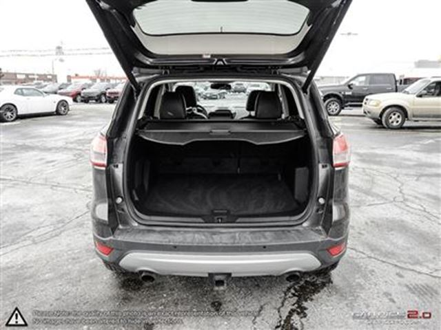 2016 ford escape titanium local trade navi moonroof cambridge ontario used car for sale 2689701. Black Bedroom Furniture Sets. Home Design Ideas
