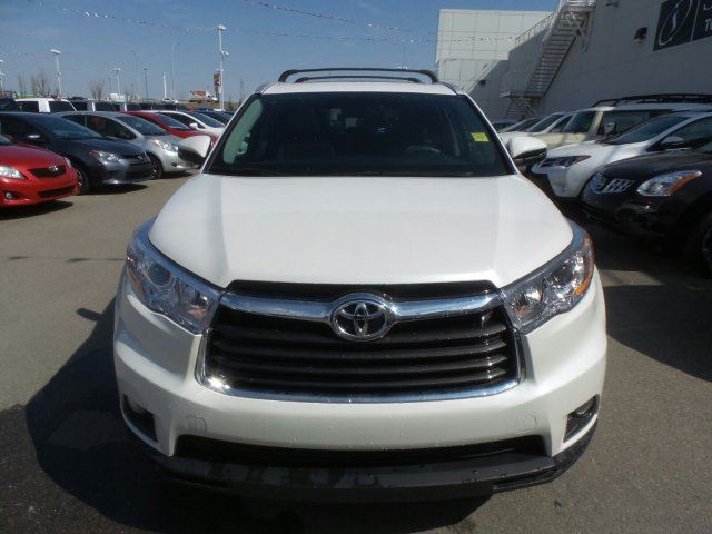 2016 toyota highlander xle navigation 8 passenger heated seats calgary alberta used car. Black Bedroom Furniture Sets. Home Design Ideas