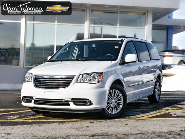 2016 chrysler town country touring l white jim tubman motors. Black Bedroom Furniture Sets. Home Design Ideas