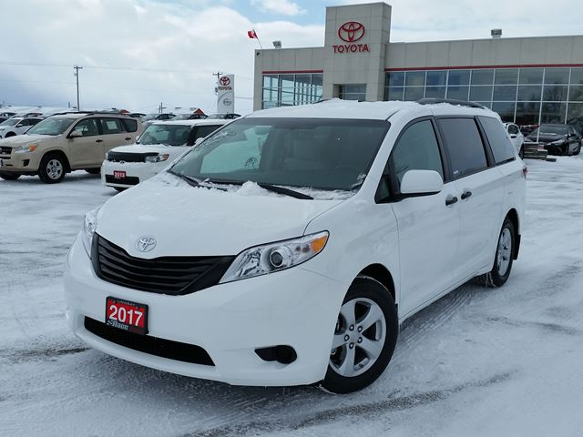 2017 toyota sienna lindsay ontario new car for sale 2690021. Black Bedroom Furniture Sets. Home Design Ideas