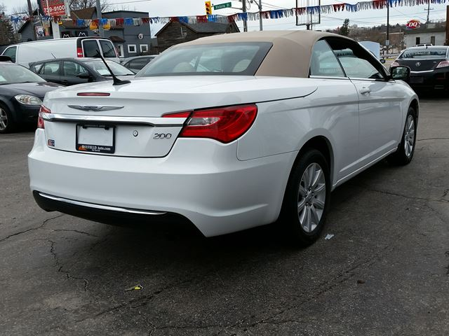 2014 chrysler 200 touring convertible barrie ontario used car for sale 2690761. Black Bedroom Furniture Sets. Home Design Ideas
