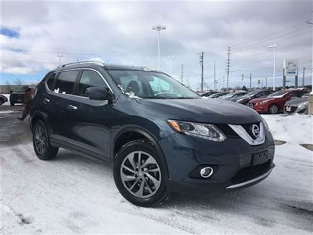 2016 nissan rogue sl premium awd leather sunroof barrie ontario used car for sale 2690826. Black Bedroom Furniture Sets. Home Design Ideas
