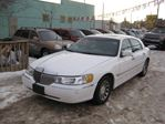 2001 Lincoln Town Car Signature 4dr Sedan in Edmonton, Alberta