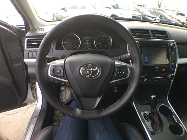 2017 toyota camry brampton ontario used car for sale. Black Bedroom Furniture Sets. Home Design Ideas