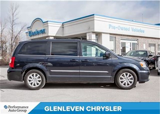 2013 chrysler town and country touring pwr sliding doors pwr liftgate oakville ontario used. Black Bedroom Furniture Sets. Home Design Ideas