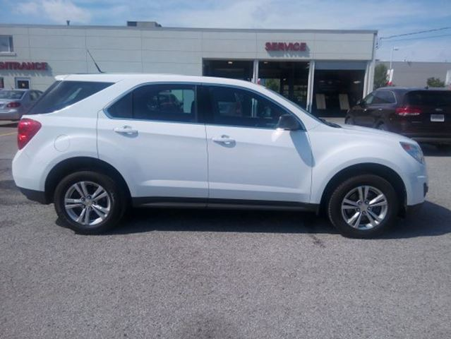 2011 chevrolet equinox fuel efficient ls model 5 passenger. Black Bedroom Furniture Sets. Home Design Ideas