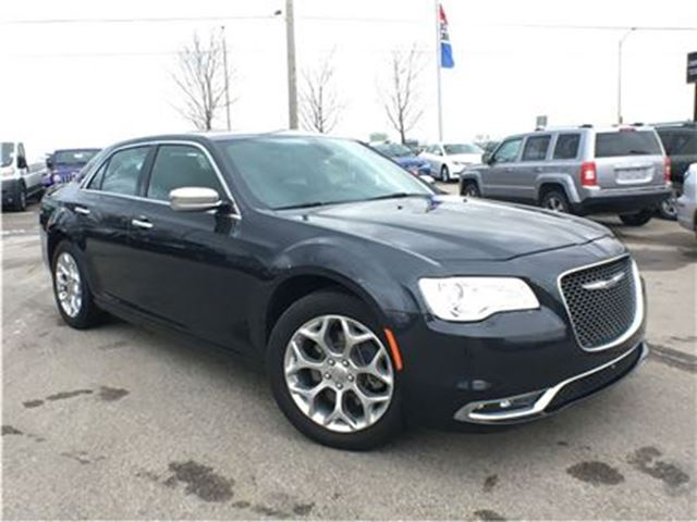 2016 Chrysler 300 PLATINUM**AWD**PANORAMIC SUNROOF**LEATHER** in Mississauga, Ontario
