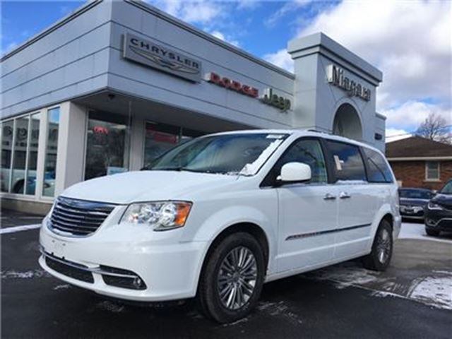 2016 chrysler town country white niagara chrysler. Black Bedroom Furniture Sets. Home Design Ideas