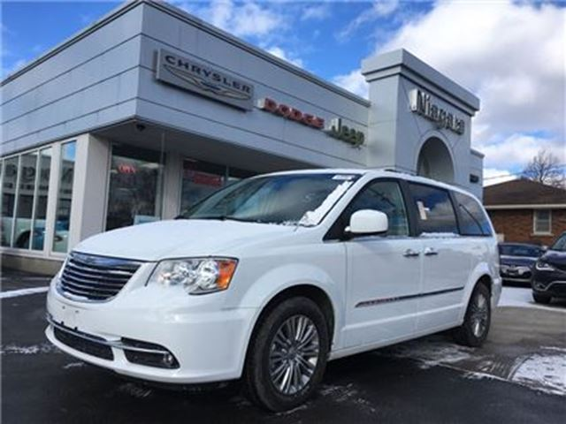 2016 chrysler town and country niagara falls ontario car for sale 2695592. Black Bedroom Furniture Sets. Home Design Ideas