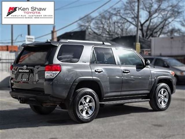 2013 toyota 4runner sr5 v6 toronto ontario car for sale 2695609. Black Bedroom Furniture Sets. Home Design Ideas