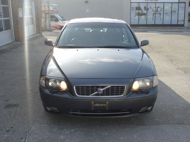 2006 VOLVO S80 2.5T AWD in Scarborough, Ontario