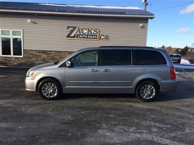 2016 chrysler town and country touring l truro nova scotia used car for sale 2696368. Black Bedroom Furniture Sets. Home Design Ideas