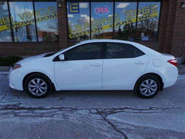 2015 toyota corolla le woodbridge ontario used car for sale 2696665. Black Bedroom Furniture Sets. Home Design Ideas