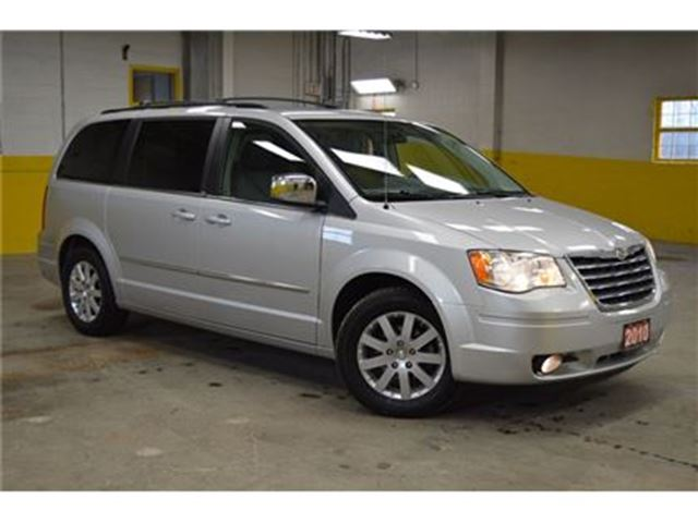2010 chrysler town and country touring 4 0l v6 dvd ottawa ontario car for sale 2696377. Black Bedroom Furniture Sets. Home Design Ideas