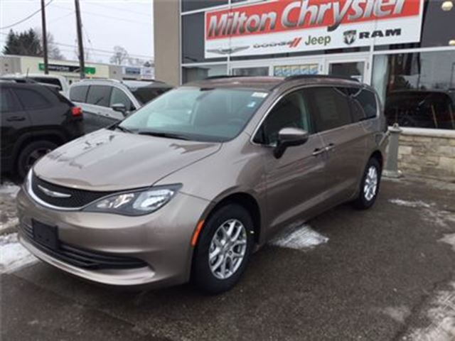 2017 chrysler pacifica lx 0 84 months milton ontario car for sale 2697193. Black Bedroom Furniture Sets. Home Design Ideas