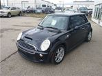 2006 MINI Cooper Base Sunroof 6 speed Standard in Guelph, Ontario