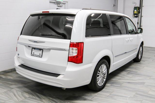 2016 chrysler town and country 88 wk zero down touring l leather dual dvd rear. Black Bedroom Furniture Sets. Home Design Ideas