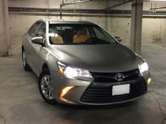 2015 toyota camry hybrid le mississauga ontario car for sale 2698607. Black Bedroom Furniture Sets. Home Design Ideas