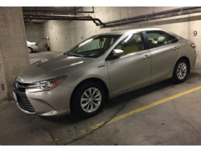 2015 toyota camry hybrid le champagne for 505 in mississauga. Black Bedroom Furniture Sets. Home Design Ideas