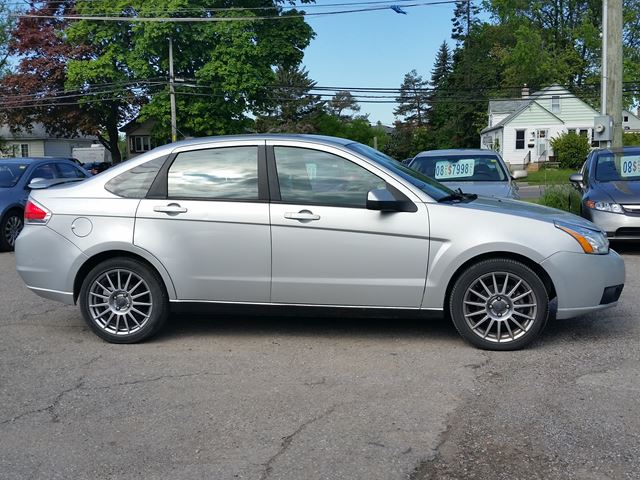 2009 ford focus ses oshawa ontario car for sale 2698031. Black Bedroom Furniture Sets. Home Design Ideas