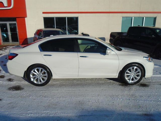 2013 honda accord touring summerside prince edward island used car for sale 2698720. Black Bedroom Furniture Sets. Home Design Ideas