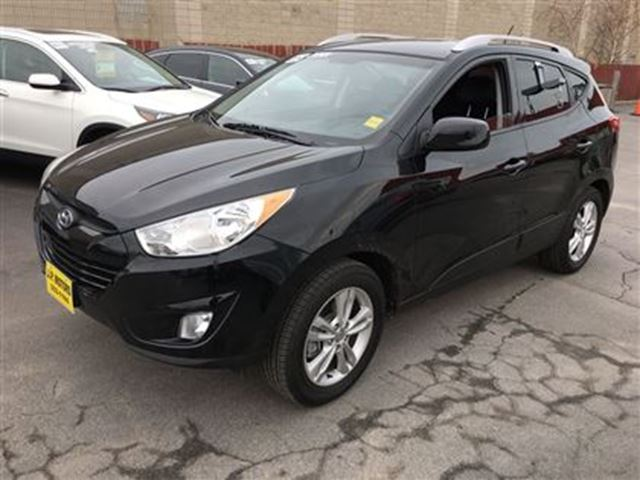 2012 hyundai tucson gls automatic heated seats only 44 000km burlington ontario used car. Black Bedroom Furniture Sets. Home Design Ideas